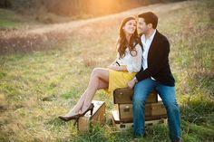 Engagement photod + Suitcases