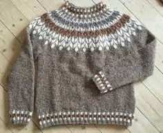 Billedresultat for lett lopi opskrift gratis Fair Isle Knitting Patterns, Sweater Knitting Patterns, Knitting Socks, Knit Patterns, Baby Knitting, Norwegian Knitting, Icelandic Sweaters, Nordic Sweater, Knitwear Fashion
