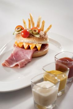 Hamburguesa mounstro, esto es lo que necesito yo ahorita!!