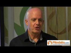 El Dr. Hugo Fossati, director de la Clínica Quality de Montevideo, Uruguay, comienza a desarrollar los usos de la apitoxina en el tratamiento de afecciones y...