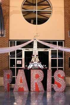 Fun Paris party theme