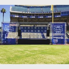 THINK BLUE: Stage Is Set For Fan Fest Chavez Ravine Here We Come  #Dodgers #dodgersfanfest2016 #chavezravine by voider_ua6