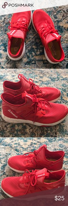 Women's Reebok Hayasu Casual Shoes Great condition Reebok women's Hayasu shoes are perfect for casual wear or light workouts. They are super lightweight and pack a punch with the bright red color. Reebok Shoes Athletic Shoes