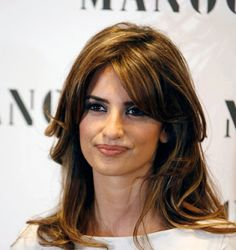 Latina Hairstyles Pictures Celebrity Hairstyle Ideas Penélope Cruz Monica Hair Highlights