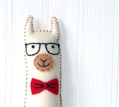 This listing is for a felt llama stuffed animal hand sewing pattern. Alpacas, Felt Patterns, Sewing Patterns, Llama Stuffed Animal, Stuffed Animals, Crochet Projects, Sewing Projects, Felt Keyring, Animal Projects