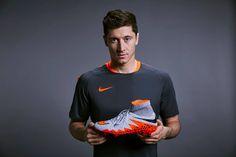 To jest to! Najnowsza generacja Nike Hypervenom już niedługo w sklepie piłkarskim PELE24.pl. Szczerze nie możemy się doczekać!