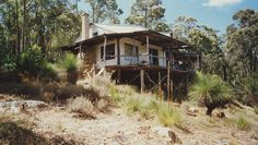 House for surf hunters in Western Australia. The stone was quarried and frame hewn from the surrounding valley. Submitted by Ross Imms. Hunters Cabin, Surf House, Beach House, A Frame House, Surf Shack, Cabins And Cottages, Earthship, Cabins In The Woods, Coastal Homes