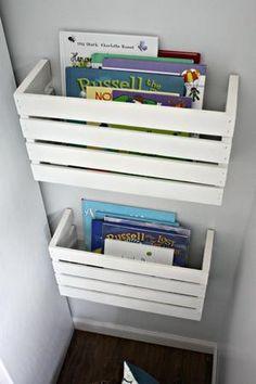 Bekijk de foto van DeKnip met als titel Handige boekenkast voor achter de deur of andere plek. en andere inspirerende plaatjes op Welke.nl.
