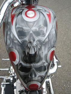 Custom Paint Air Brush Painting, Car Painting, Custom Motorcycle Paint Jobs, Paint Bike, Pinstripe Art, Motos Harley Davidson, Custom Choppers, Custom Motorcycles, Custom Tanks