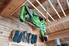 Living in a shoebox This 118 small Norwegian ski cabin comfortably accommodates a family of four Cabin Interior Design, Cabin Design, Tiny House Design, Building A Small Cabin, Small Cabin Plans, Dry Cabin Living, Diy Cabin, Cabin Ideas, Cabin Loft