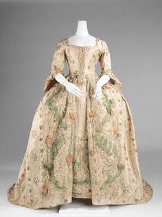 Robe à la Française, 1770-75, France (Brooklyn Museum)