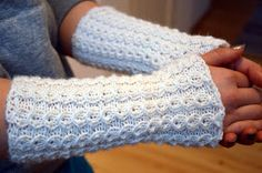 Knitting Socks, Knit Socks, Fingerless Gloves, Arm Warmers, Mittens, Pattern, Diy, Fashion, Fingerless Mitts