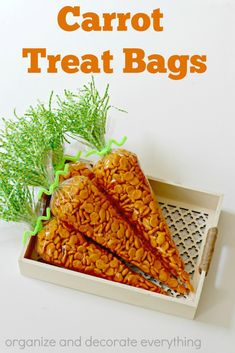 Carrot Treat Bags are a fun alternative to candy treats and make a great classroom or kid's friends treat. Make these adorable Carrot Treat Bags as an alternative to candy treats. They are so easy to make and the kids will love them. Easter Snacks, Easter Treats, Easter Recipes, Easter Food, Easter Desserts, Bunny Birthday, Farm Birthday, Easter Dinner, Easter Party