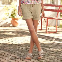 "SANCTUARY PEACE SHORTS -- Your favorite pants from Sanctuary in must-have shorts style. Garment-washed cotton with a bit of stretch, and fit to flatter front and back. Webbed belt included and will vary. Machine wash. Imported. Waist sizes 26 to 32. 8-1/2"" inseam."