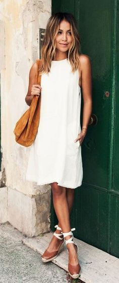 white solid scoop neck no closures sleeveless knee length shift dresses // brown solid mediumclosed ankle height heels shoes // brown solid handbags // White Summer Outfits, White Dress Summer, Summer Dresses, Outfit Summer, Summer Wear, Spring Summer, White Shift Dresses, Little White Dresses, Trendy Dresses