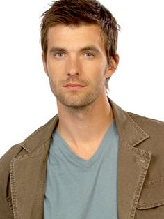 Lucas Bryant (Nathan Wuronos, Haven)