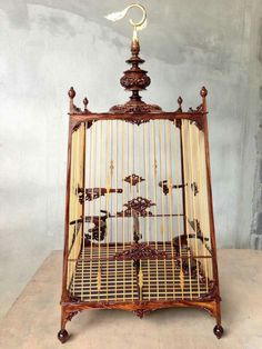Bird Cage Design, Antique Bird Cages, Decorative Bird Houses, Beautiful Birds, Decorative Accessories, Habitats, Ceiling Lights, Birdhouses, Shelters