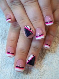 Pink and black cute nails!