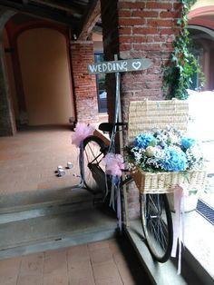 Vecchie biciclette fiorite