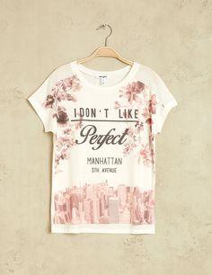 Tee shirt imprimé fleuri new york blanc et rose - http://www.jennyfer.com/fr-fr/collection/tops-et-tee-shirts/tee-shirt-imprime-fleuri-new-york-blanc-et-rose-10007680001.html