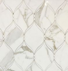 Marble bathroom Waterjet tile backsplash. Calacatta Gold + Thassos White Polished Mable Waterjet Mosaic – TileBuys #tiles #tile #backsplash #marble #waterjet #mosaic #bathroom #remodel #renovation #luxuryinteriordesign #interiordesign #masterbathroom #luxury