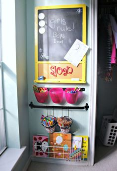 DIY Art Center for kids tutorial! Love it    (IHeart Organizing: UHeart Organizing: A Cozy Craft Corner!)