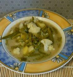 Mittags genoss Jessi grüne Bohnensuppe mit Blumenkohl - wer kennt das noch aus seiner Kindheit? Daumen hoch!