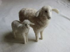 Stuffed Animals by Natasha Fadeeva - needle-felted sheep and lamb Wool Needle Felting, Needle Felted Animals, Nuno Felting, Felt Animals, Primitive Sheep, Wooly Bully, Baa Baa Black Sheep, Counting Sheep, Sheep And Lamb