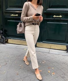All beige outfit - Winter Outfits Spring Outfit Women, Winter Mode Outfits, Winter Dress Outfits, Casual Work Outfits, Winter Fashion Outfits, Work Casual, Work Fashion, Classy Outfits, Chic Outfits