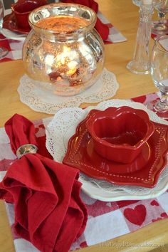 Valentine's Day Tablescape (Valentine tablesetting)