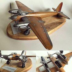 De Havilland Mosquito 1/48 Tamiya. Modeler Pekka Tiihonen (@unclejoe64) #scalemodel #plasticmodel #wood #plastickits #usinadoskits #udk #miniatura #miniature #miniatur #hobby #diorama #mosquito #scalemodelkit #tamiya