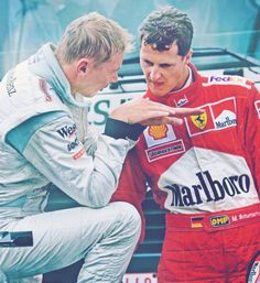 Michael Schumacher and Mika Hakkinen. Michael said Mika was the only driver that ever scared him. Michael Schumacher, Alain Prost, Formula 1, Grand Prix, Nascar, F1 Motorsport, Gp F1, Ferrari F12berlinetta, Gilles Villeneuve