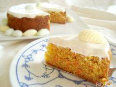 Easter Carrot Cake by www.parislovespastry.com