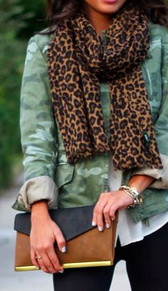 madewell brown and black clutch
