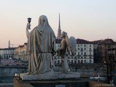 Gran Madre - Statua della Fede col Graal