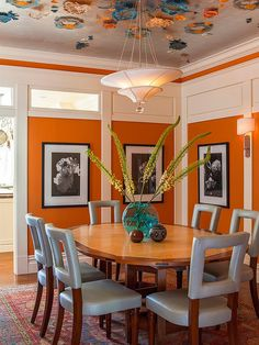 25 Trendy Dining Rooms with Spunky Orange Lovely blend of blue and orange in this vibrant dining room [Design: Adeeni Design Group] Orange Dining Room, Dining Room Paint Colors, Dining Room Walls, Dining Room Design, Orange Rooms, Orange Walls, Room Chairs, Wall Colors, Colours