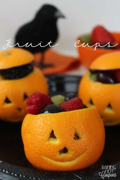 Jack O Lantern Orange Fruit Cups - This is such a great Halloween Recipe for perfect for kid's lunches!