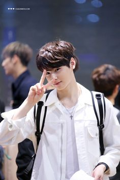 He said his eyes is his charm, I agree TuT I got attracted with his eyes when I first saw him Cha Eun Woo, Cute Korean Boys, Korean Men, Asian Actors, Korean Actors, Korean Celebrities, Kim Myungjun, Astro Wallpaper, Cha Eunwoo Astro