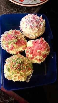 Das sind Geburtstagscupcakes...😀