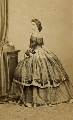 Duchess Marie in Bavaria,later Queen of Two Sicilies. (Sister of Empress Sissi) Victorian Era, Victorian Fashion, Vintage Fashion, Vintage Outfits, Empress Sissi, Kaiser Franz, Western World, Herzog, Royals
