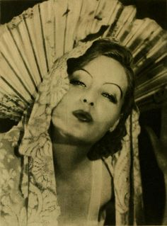 theloudestvoice:  Greta Garbo, c. 1926