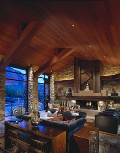 Custom Cabin Life Residence - Architecture