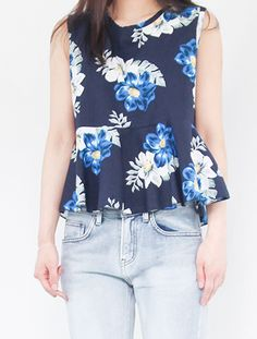Sleeveless Floral Flared Top