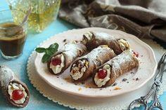 Egy finom Szicíliai cannolo (töltött tésztarolád) ebédre vagy vacsorára? Szicíliai cannolo (töltött tésztarolád) Receptek a Mindmegette.hu Recept gyűjteményében! Cannoli, Ricotta, Sausage, Meat, Ethnic Recipes, Food, Sausages, Essen, Meals