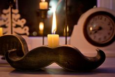 Mustache candle holder Etsy van: http://www.etsy.com/listing/90203499/moustache-mustache-candle-holder?ref=fp_treasury_11