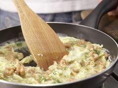Krabbenrührei Zubereitung Schritt 5 Risotto, Ethnic Recipes, Food, Crabs, Eggs, Recipes, Eten, Meals, Diet