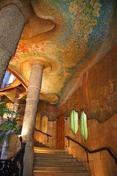 Interio stairway, Casa Mila (La Pedrera), UNESCO World Heritage Site, Barcelona