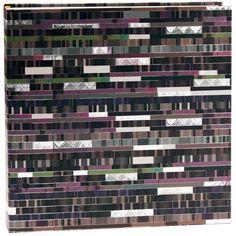 Fotoalbum Factum als Fotobuch Einband: Naturpapier mit Silberprägung und Relief / 60 weiße Seiten mit Pergamin / Größe: 30 x 31 cm