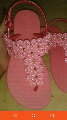 Beaded Shoes, Beaded Sandals, Beaded Jewelry, How To Tie Gele, Ribbon Sandals, Beach Feet, Lace Jeans, Crochet Sandals, Pink Summer