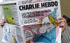 Parisiense lê a última edição do jornal Charlie Hebdo; a publicação foi alvo de um atentado que deixou ao menos 12 mortos. Leia mais  Foto: Bertrand Guay/AFP
